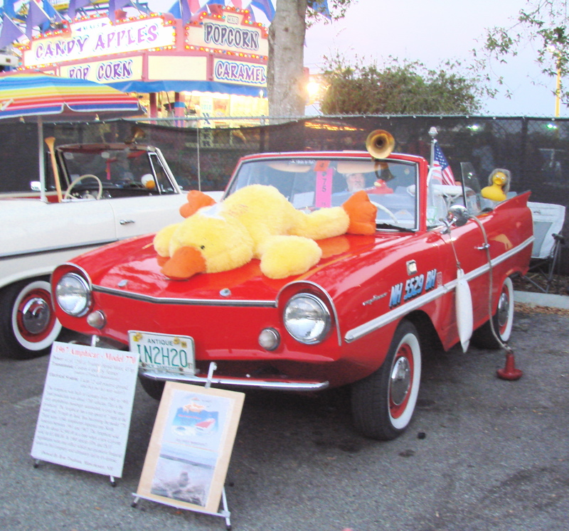AMPHICAR MODEL OLD TOWN CRUISE NIGHTS KISSIMMEE FL - Old town car show time
