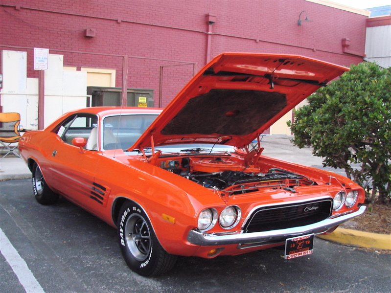 DODGE CHALLENGER OLD TOWN CRUISE NIGHTS KISSIMMEE FL - Old town kissimmee florida car show